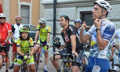 Pedalata solidale con la Granfondo Don Guanella: tanti vip a Lecco