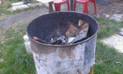 Arci Osnago bruciati i libri del bookcrossing