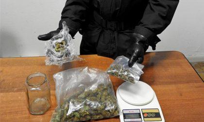Droga in città arrestato un 21enne