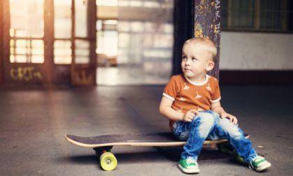 Skateboard per bambini al parco Ludico
