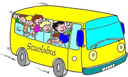 Polemica scuolabus, i bambini viaggiano in piedi
