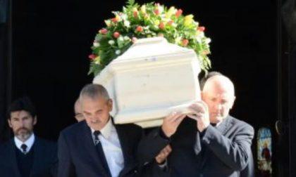 Lecco si è vestita a lutto per la scomparsa di Chiara Perego