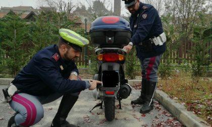 Assicuratore lecchese derubato della moto
