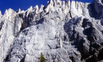 Antonella Fornari festeggia con gli Alpini