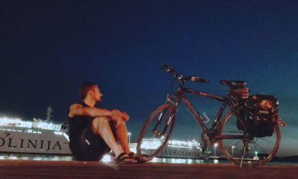 Ha girato i Balcani in bicicletta