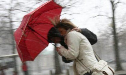 Allerta meteo allarme arancione per vento e pioggia