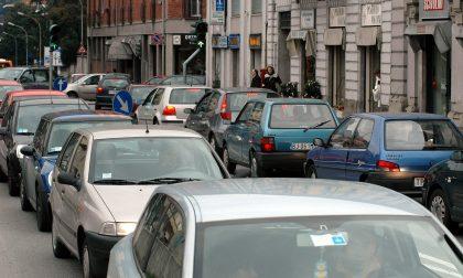 Domenica traffico da bollino rosso a Lecco e dintorni