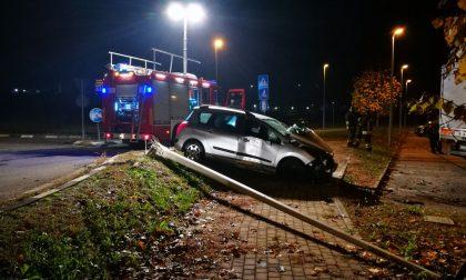 Incidente frontale tra tir e auto lungo la Provinciale FOTO
