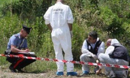 Cadavere in valigia nei boschi: è una faida mafiosa