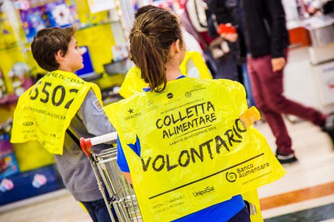 Colletta alimentare: nei supermercati torna la raccolta per i più bisognosi