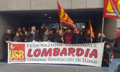 Picchetto di solidarietà per Francesco Scorzelli
