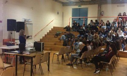 Violenza sulle donne lezione a Villa Greppi