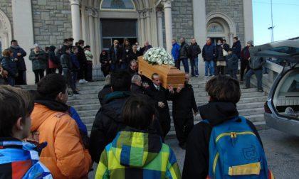 Centinaia di ragazzi per l'addio a Yuriy