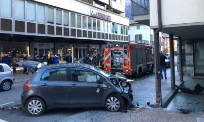 Ubriaco investe tre persone in centro a Sondrio