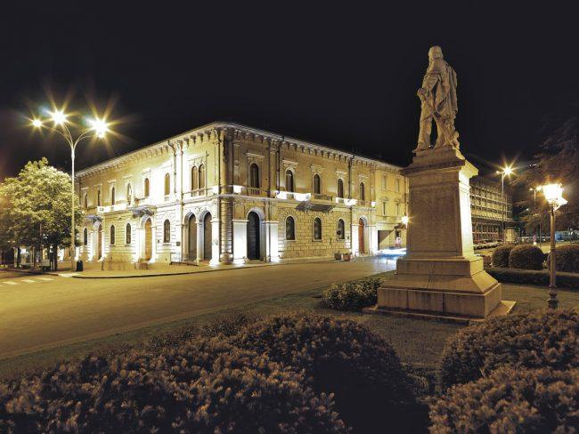 """""""Per fare un bambino ci vuole un villaggio"""": secondo appuntamento nella Sala di Palazzo Flack a Lecco"""