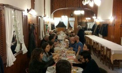Pizza democratica in 45 per sostenere il Pd Merate
