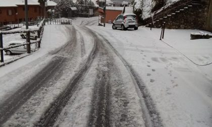 Neve sul Lecchese polemiche per la pulizia di strade e marciapiedi