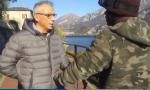 La Stampa pizzica De Capitani: il VIDEO del migrante in bici