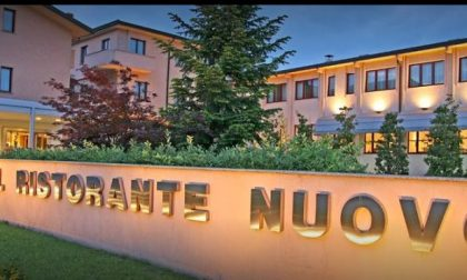 Cuoco si ferisce a una mano mentre prepara il cenone all'Hotel Ristorante Nuovo