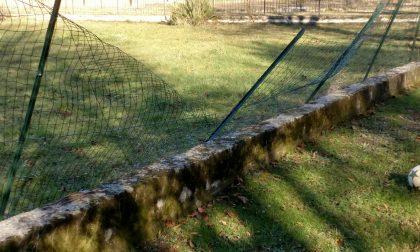 Vandalismi a Villa Gallavresi a Verderio – FOTO