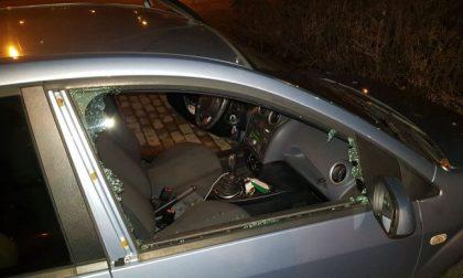 Lite al volante in SS36, due ex pugili prendono a pugni mamma e figlio