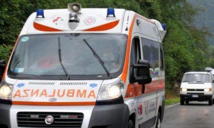 Cade dalla bici, trauma toracico per un uomo di 58 anni