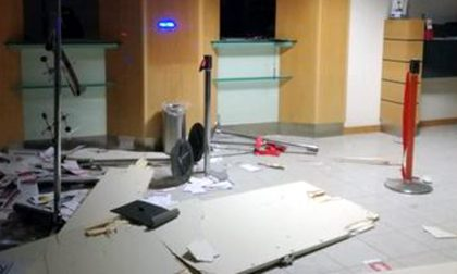 Bancomat esploso boato nella notte a Osnago