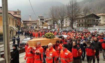 Tutta la Valsassina ai Funerali di Ezio Artusi