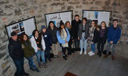 Studenti stranieri in visita al campanile di Lecco