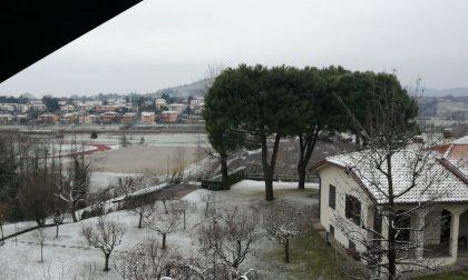 Burian è arrivato, spolverata di neve sul Meratese FOTO