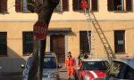 Bimbo di 4 anni intrappolato in casa salvato dai pompieri FOTO