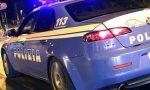 Le ruba il telefono e poi la minaccia con un coltello: 23enne arrestato