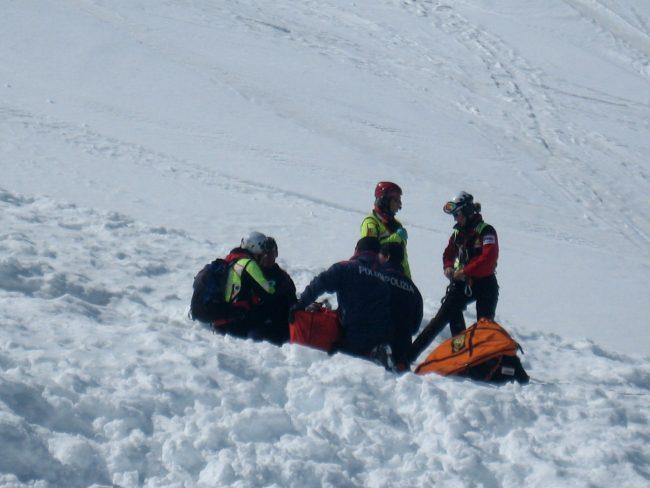Livigno, scialpinista muore travolto da una valanga in zona Forcola
