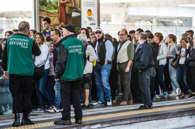 Trenord, più sicurezza sui treni: nuove guardie in servizio sui convogli