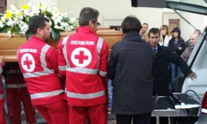 Ultimo saluto a Dario Maggioni in tantissimi ai funerali FOTO