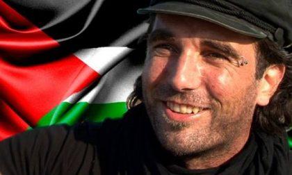 Imbrattata la targa per il pacifista Vittorio Arrigoni: è la quarta volta