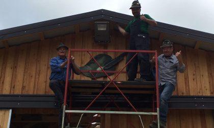 Finita la stalla realizzata nelle terre terremotate grazie agli alpini lecchesi FOTO
