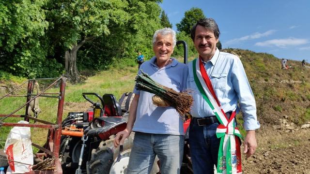 Montevecchia rinasce con vitigni e ulivi sotto il santuario ...