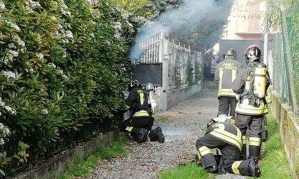 Fumo dal contatore Enel, provvidenziale intervento dei pompieri FOTO