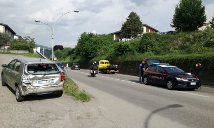 Violento scontro auto-moto a Brivio, due giovani feriti