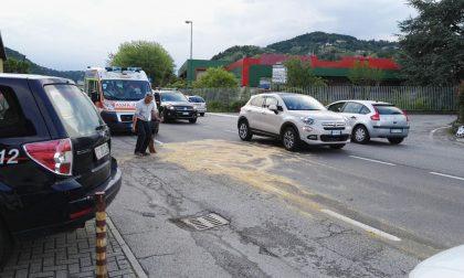 Incidente tra moto e furgone, ferito un giovane FOTO