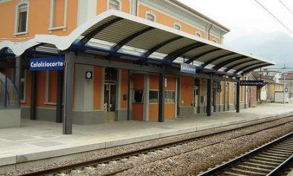 """Trenord vuole chiudere le biglietterie, Nogara: """"Giù le mani dalla stazione di Calolzio"""""""