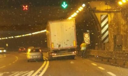 Camion in panne nella Lecco Ballabio
