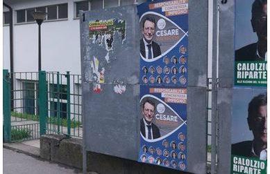 Rabbia a Calolzio: cartelloni elettorali strappati