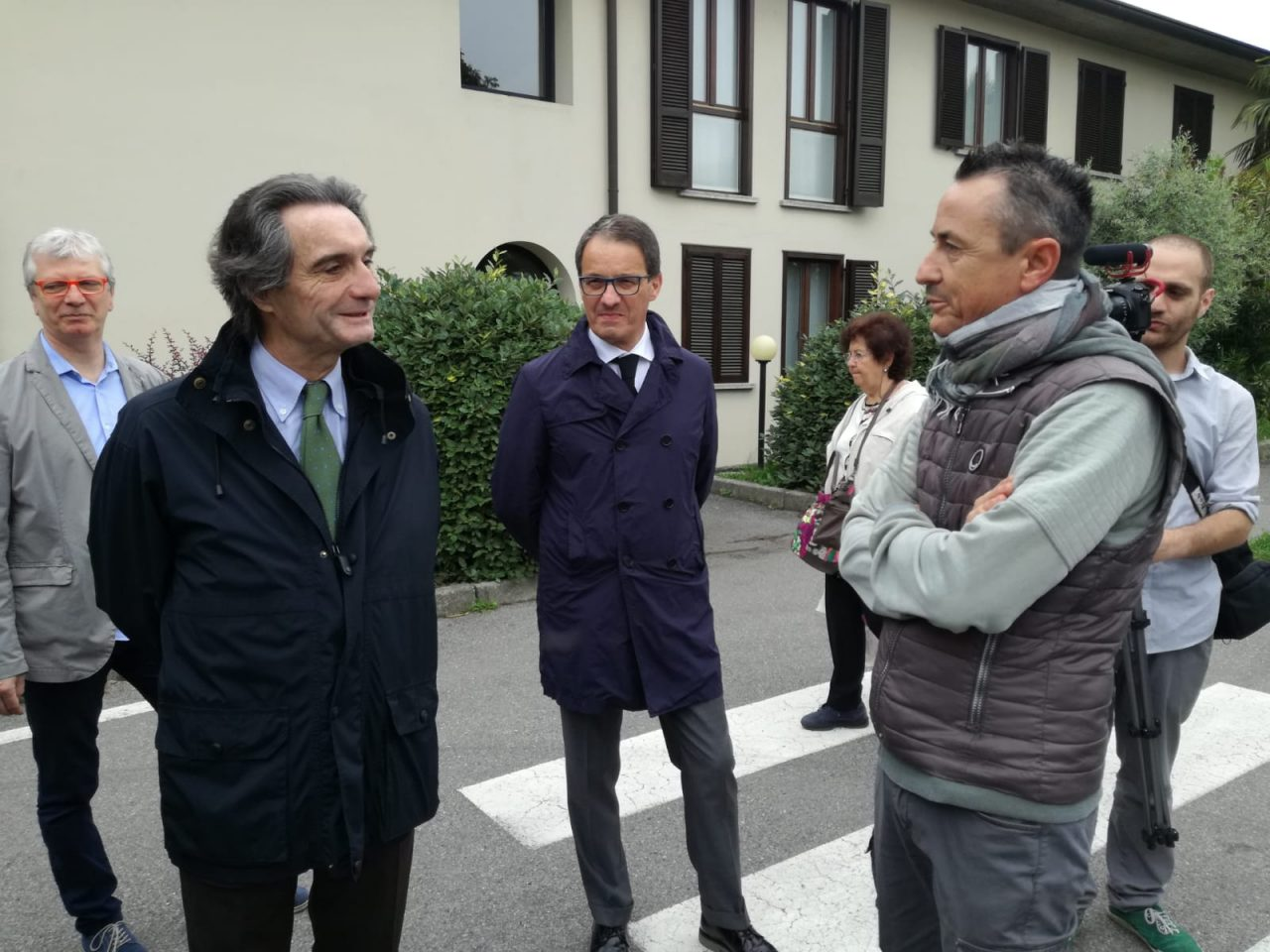 Il governatore della Lombardia Attilio Fontana arrivato a Merate