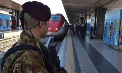 Dopo l'aggressione agli agenti lecchesi De Corato torna a chiedere militari sui treni