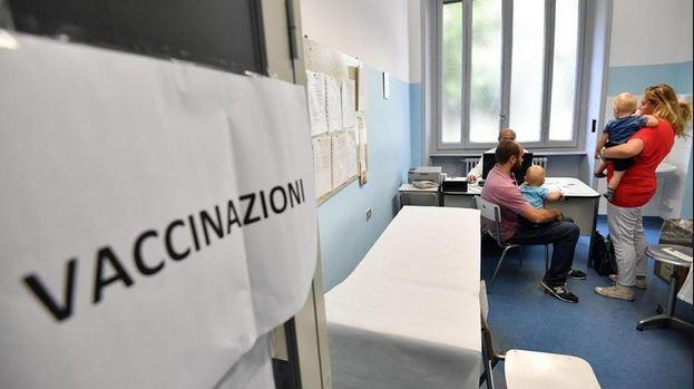 Vaccini, bimbo no-vax messo 'in quarantena' a scuola