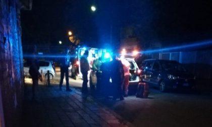 Freddato in strada, morto un 54enne. Omicidio a sfondo razzista o droga?