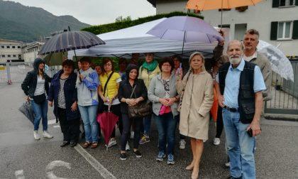 Picchetto dei lavoratori Aerosol davanti all'azienda