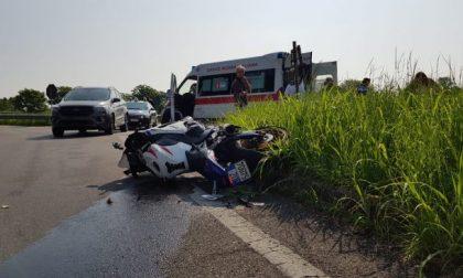 Incidente tra auto e moto, ferito un centauro di Viganò FOTO